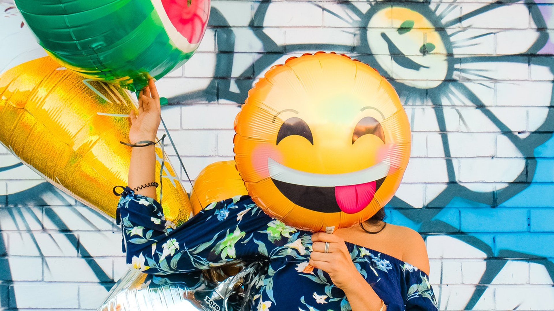 10 Travel Emoji That Every Jet-Setter Must Use