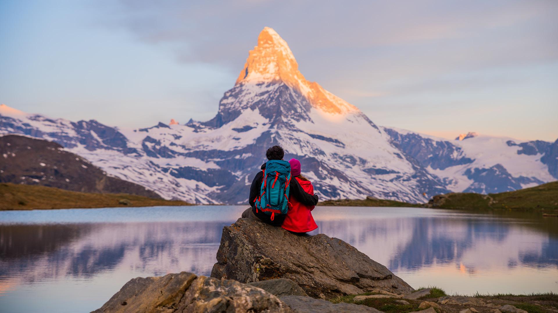 7 Luxurious Honeymoon Destinations Hotels: 7 Luxury Honeymoon Destinations For The Mountain-Loving Couple