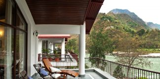 The Glasshouse On The Ganges By Neemrana Hotels