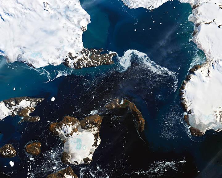 Antarctica Loses Snow