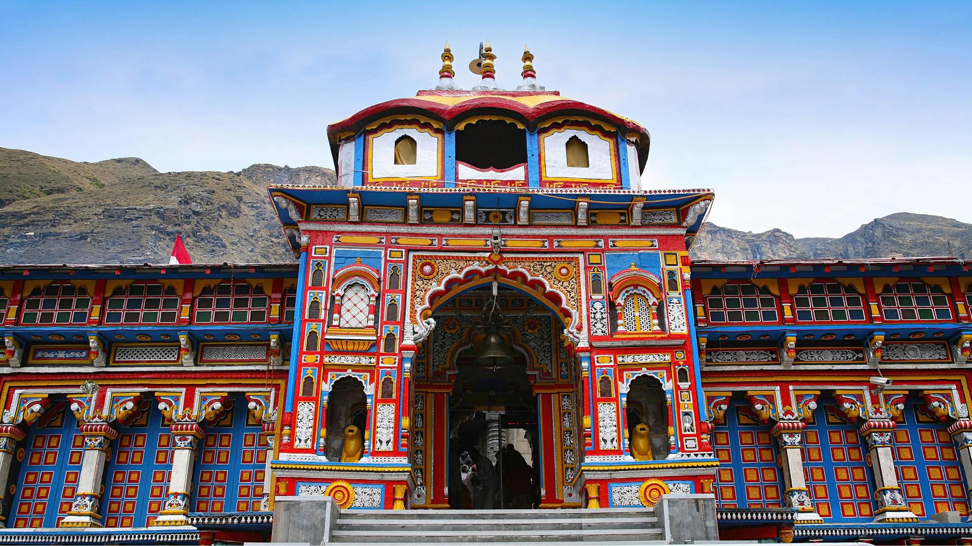 Badrinath temple Yatra 2021 By Helicopter (बद्री विशाल हेलीकॉप्टर यात्रा) [2021 Update]
